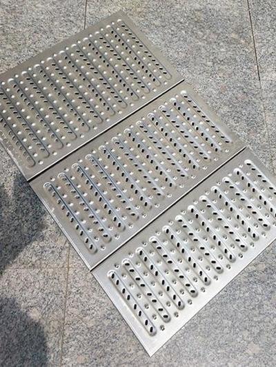 不锈钢格栅井盖